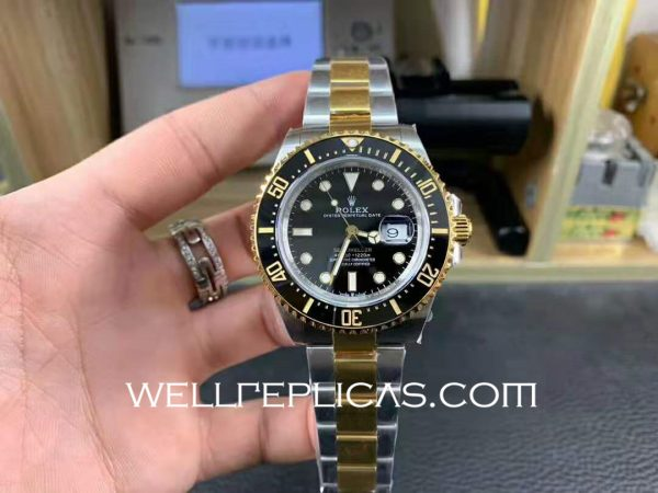 Rolex Sea-dweller Mens 43mm Case Black Dial Folding Buckle