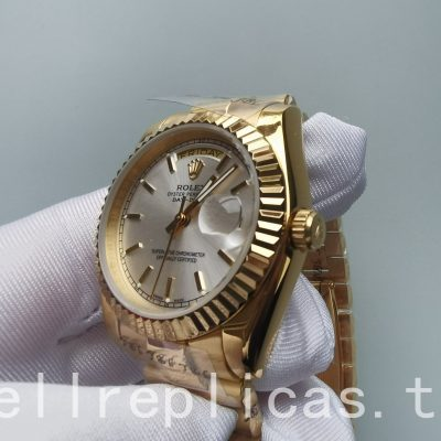 Rolex Day-date 18238 Dial White Sapphire Yellow Gold